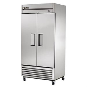 TRUE REACH-IN REFRIGERATOR 2 DOOR S / S